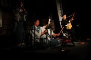 関川村の御神楽と一緒に演奏。不思議な御神楽の曲。