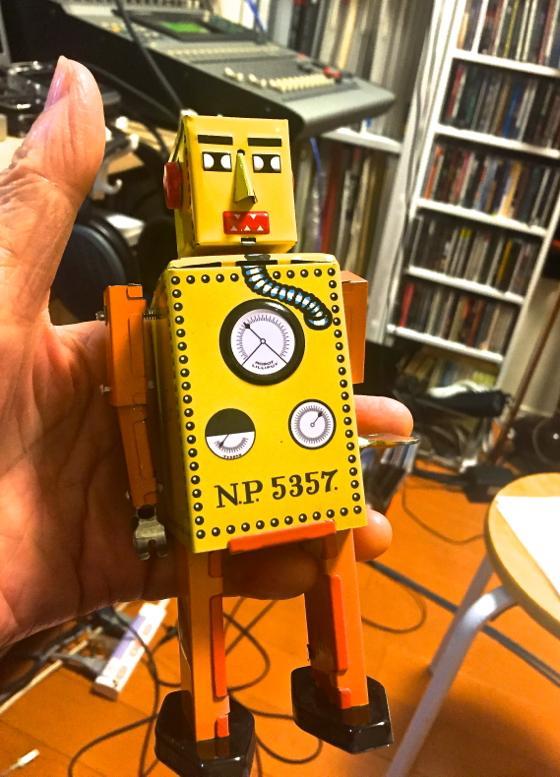 h-robo-2.jpg